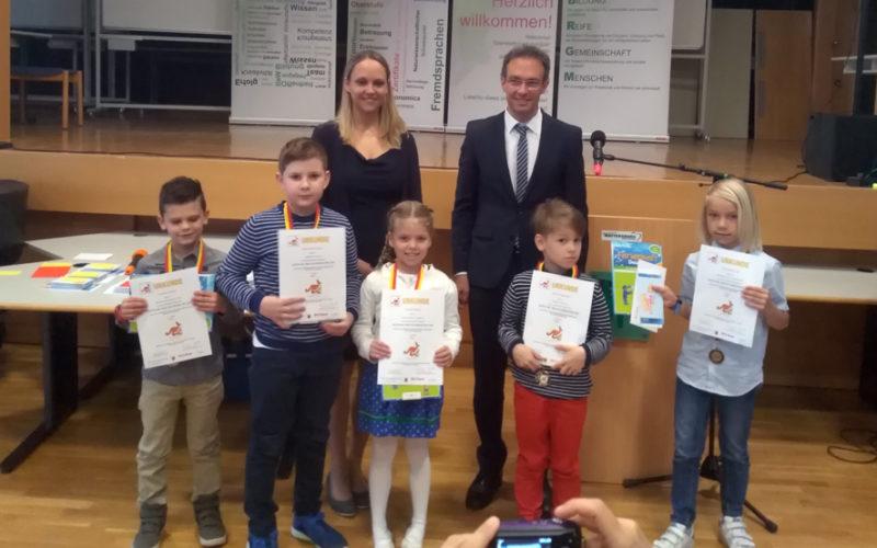 Preisverleihung Malwettbewerb Amnesty International und Känguru der Mathematik